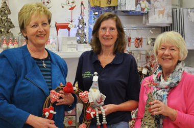 The Friends2shop is bursting with Christmas gifts, decorations & festive cards!
